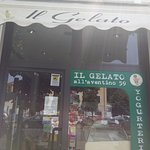 Outside the gelateria (signage)