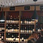 Le meilleur bar à vins de Biarritz. Les tapas sont excellentes : produits de qualité super bien