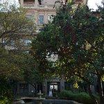 The Langham Huntington (Courtyard)