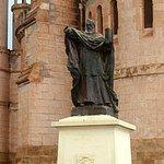 Statue de Mgr Lavigerie à Notre-Dame d'Afrique.