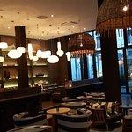 Bar-/Frühstücksbereich