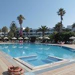 Photo de Tigaki Beach Hotel