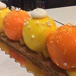 Dernier gâteau de 2016 Mousse coco crémeux passion et cœur coulant banane passion combava.