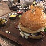 Variedad de hamburguesas para tifus los gustos
