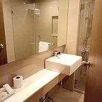 Foto de Imperial Palace Suites Quezon City