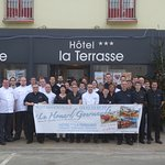La direction et le personnel de l'Hôtel La Terrasse vous souhaitent de bonnes fêtes de fin d'ann