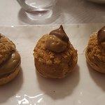 choux fourrés à la crème chocolat-noisette