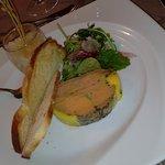 Le foie-Gras mi-cuit au Genièvre et Cassis, Brioche toastée, Granité au Côteau du Layon