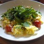 Pâtes fraiches Saccotini farcies jambon Speck, mascarpone, roquette crème Gorgonzola, tomate, pa
