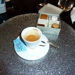 Caffè con petit four