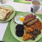 Large Full English (£.6.50 including toast and tea with refill)