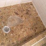 baño reparado con cemento