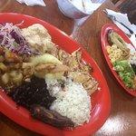 Arroz con pollo and Casado con bistec