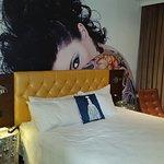 Photo de Room Mate Lord Balfour