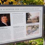 Eine Tafel mit der Geschichte der Lindentaler Allee