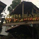 Photo de Phi Phi Sea Sky Resort