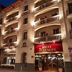 Photo de Hotel Pyrenees