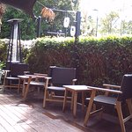 Outdoor restaurant seating