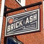 Foto de Brick & Ash