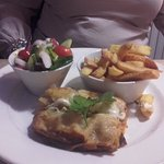 Vegetarian lasagne with chunky chips