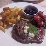 T bone steak with chunky chips