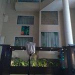 Photo de Halcyon Condominiums