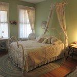 Garden of Eden Room - Queen Bed