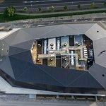 Die Umwelt Arena Schweiz von oben mit Photovoltaikdach
