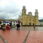 Vista geral da Plaza Bolivar.
