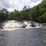 Vista da chegada pelo rio a Cachoeira de Tremembe.