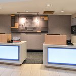 Holiday Inn Express & Suites Raleigh NE - Medical Ctr Area Foto
