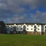 Block facing the sea (LHS-hotel+dining, Middle - apts, RHS-leisure centre)