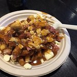 Small smoked meat poutine