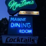 Norton's restaurant - an Iconic Green Lake Landmark with delicious food!