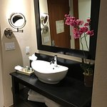The wash basin in the hallway