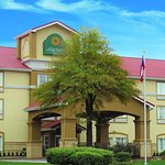 Photo of La Quinta Inn & Suites Atlanta Duluth