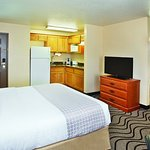 Photo of La Quinta Inn & Suites Las Vegas RedRock/Summerlin