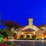 La Quinta Inn & Suites Dallas Addison Galleria Foto
