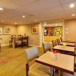 Photo de La Quinta Inn & Suites Plattsburgh