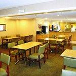 Photo of La Quinta Inn & Suites Columbia