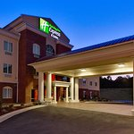 Photo de Holiday Inn Express Suites - Malvern