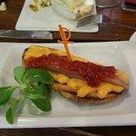 Tosta de salmorejo con sardina anchoada y pimientos confitados rico rico