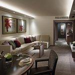 Premier Harbour View Suite - Lounge