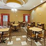 Foto di La Quinta Inn & Suites Dallas South - DeSoto