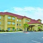 Photo of La Quinta Inn & Suites Savannah Airport - Pooler
