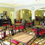Photo de La Quinta Inn & Suites Macon West