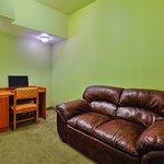 Photo of La Quinta Inn & Suites Tulare