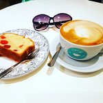 latte and cake - a yummy combi !