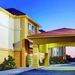 Foto de La Quinta Inn & Suites Lancaster