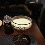 Прекрасный ресторан: огромный выбор свежего бельгийского пива, отличное обслуживание, удобное ме